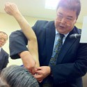 臨床のコツ:『肩関節疾患と肩髃(ケングウ)穴の刺法について』 薗田 康敬