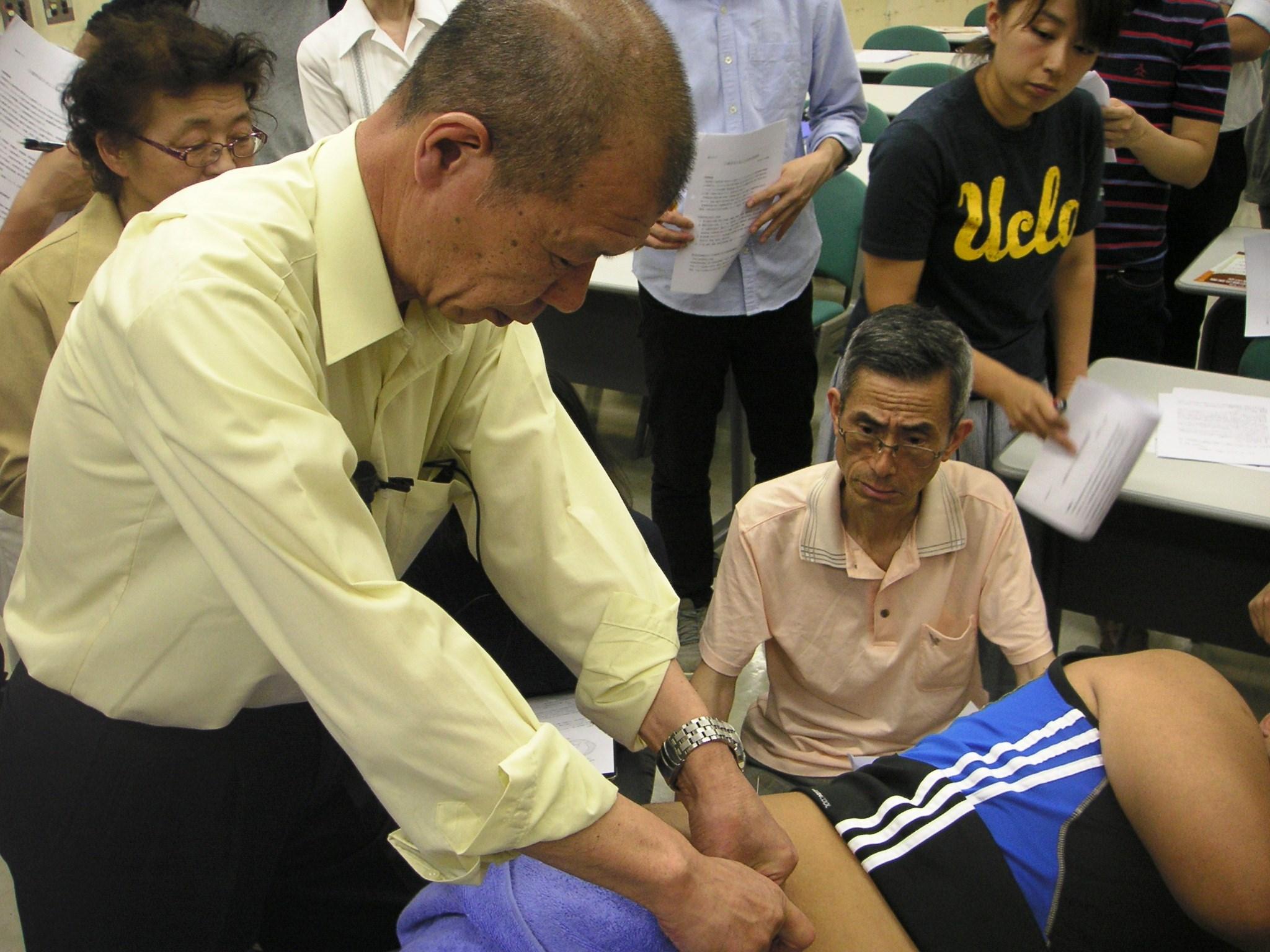4月23日実施 臨床のコツ:「帯状疱疹後肋間神経痛の鍼灸治療」 加島 郁雄(千代田)